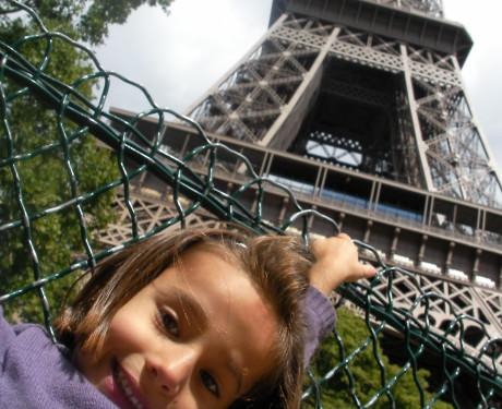 Paris com crianças: a Torre Eiffel para os pequenos – dicas da Camila (5 anos) e dos seus pais.