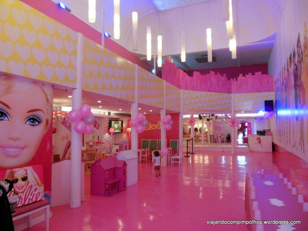 Casa Da Barbie R 26000 No Mercadolivre Picture Pictures to pin on  #8A253C 1024x768 Banheiro Da Barbie Mercadolivre