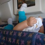 Viajando de avião com crianças e bebês.