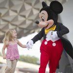 Tam Viagens lança promoção onde criança viaja de graça para a Disney!