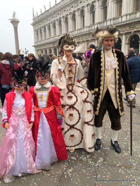 Carnaval-em-Veneza-com-criancas